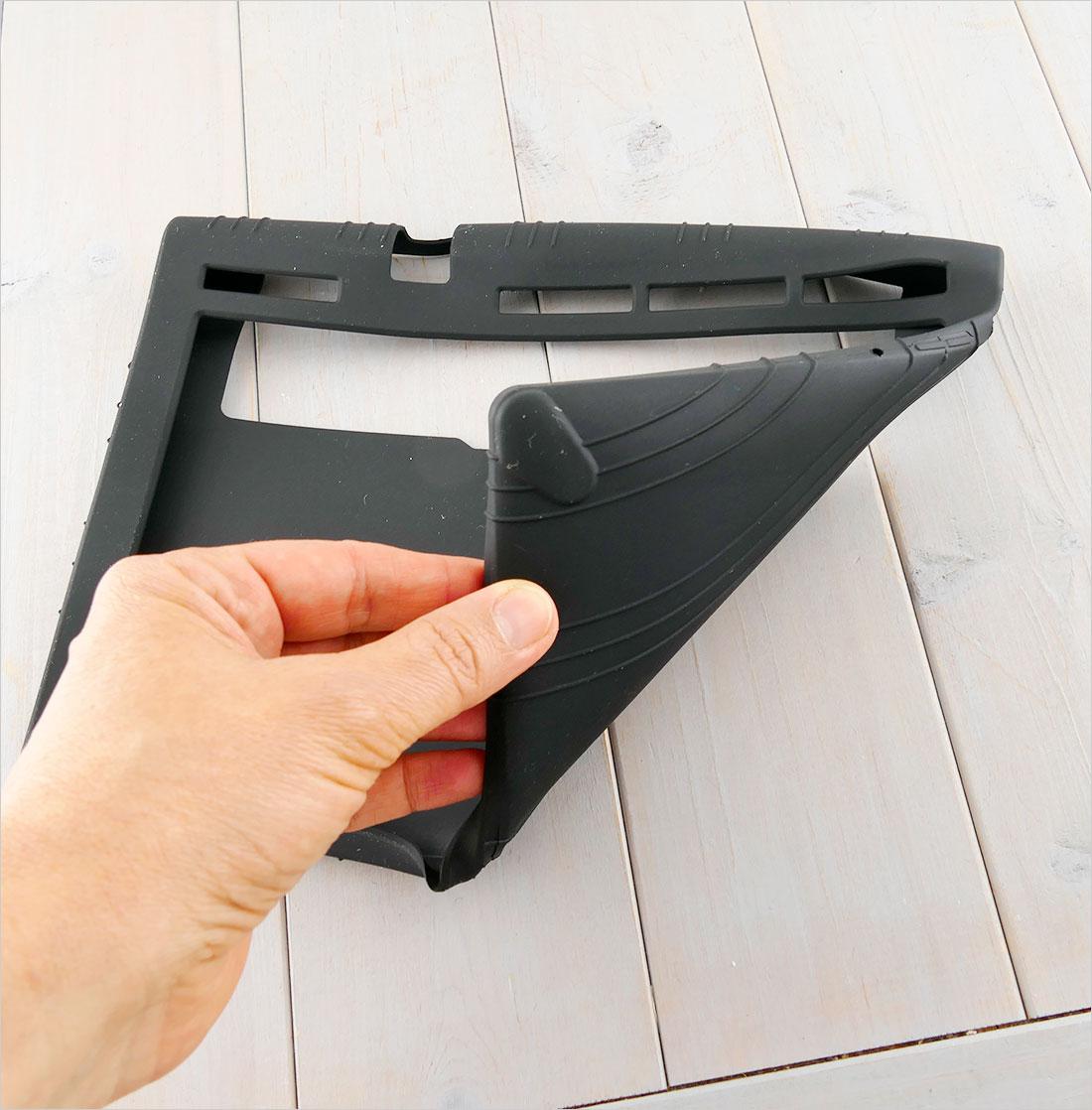 pokrowiec elastyczny na tablet