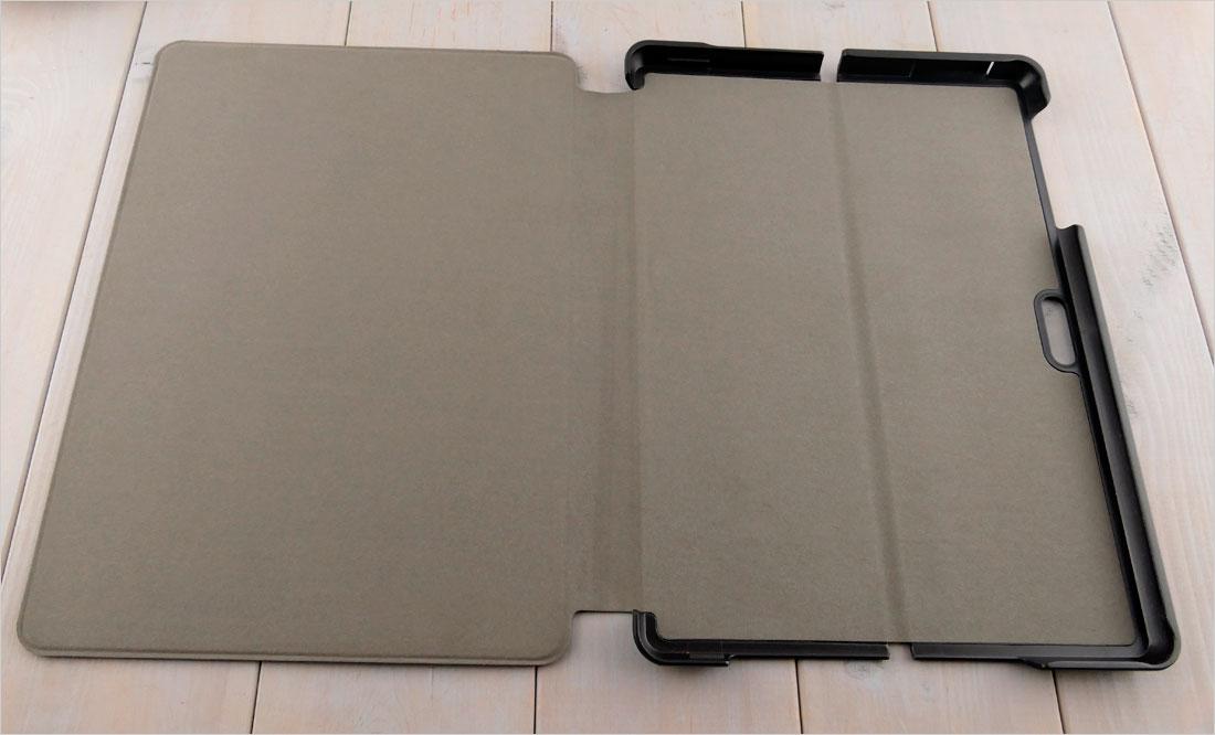 pokrowiec dedykowany na tablet Microsoft Surface Go 10 cali