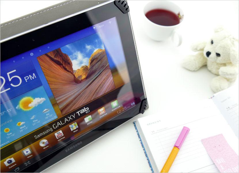 solidne etui na tablet 9 cali - różne wzory